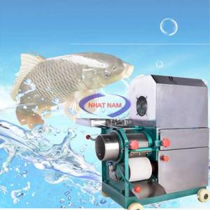 Máy tách xương cá CR200 (NNTX-05) là khâu quan trọng khi tạo viên cá, giúp cho người sản xuất lọc bỏ khỏi xương cá ra khỏi thịt cá và làm nhuyễn thịt cá, vì vậy mà khi bạn có máy tách xương cá trong khâu tạo viên cá thì bạn không cần thiết phải có máy xay nhuyễn nữa, máy tách xương cá luôn là bạn đồng hành của những xưởng sản xuất.