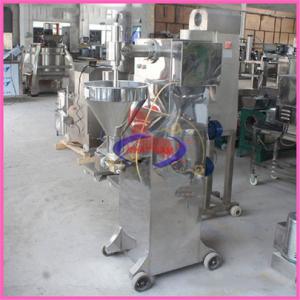 Máy tạo viên 2 động cơ SH-040 (NNTV-08)  – Với 2 động cơ máy tạo viên thịt SH-040 nó có thể thay thế cho khoảng 50 nhân viên lành nghề làm việc.  – Máytạo viên thịt, tạo viên cá, tạo viên chả mực được sử dụng rộng trong các nhà máy chế biến thực phẩm  – Máy có nhiều chủng loại và mẫu mã khác nhau với công suất lớn luôn luôn là hướng đầu tư tốt nhất mà các chủ doanh nghiệp vừa và nhỏ lựa chọn để phát triển dòng sản phẩm cho công ty mình.