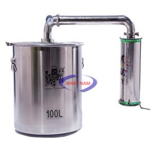 Nồi chưng cất tinh dầu nhiên liệu ngoài (NNCC-06)là dòng sản phẩm mới mang lại cho quý khách hàng. Thiết kế gồm có 3 phần: nồi chưng cất, kết nối thông qua ống dẫn hơi, bình sinh hàn ngưng tụ (bồn ngưng tụ) và bình hứng.