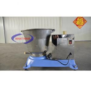 Máy trộn bột nóng chuyên dụng kết dính (NNTB-32)là dòng máy trộn bột thế hệ mới, được đưa ra thị trường Việt Nam thời gian gần đây. Khác với các dòng máy trộn bột thông thường, sản phẩm này có thể đáp ứng được nhu cầu chế biến các loại thành phẩm trong trạng thái còn kết dính, ở nhiệt độ cao mà không làm ảnh hưởng tới tính chất nguyên liệu.