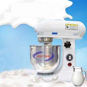 Máy trộn bột đánh trứng 7 Lít (NNTB-03): Cùng với sự phát triển của công nghệ, máy móc ngày càng được cải tiến hơn. Nhu cầu của người tiêu dùng cũng ngày một nâng cao. Họ muốn ăn ngon và hợp vệ sinh nhưng không quan tâm giá cả. Những dòng máy trộn bột mà chúng tôi giới thiệu đến mọi người luôn được đảm bảo trong ngành công nghệ chế biến thực phẩm về độ an toàn và sạch, hợp vệ sinh. Đặc biệt là những loại máy trộn bột.