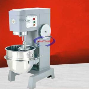 Máy trộn bột 60 lít dạng đứng (NNTB-31) là sản phẩm hỗ trợ người thợ làm bánh thay cho việc trộn bánh một cách thủ công, mất nhiều thời gian, thì ngày nay, bạn có thể sử dụng một chiếc máy trộn bột để nhào bột, trộn bột giúp cho việc làm bánh dễ dàng hơn rất nhiều, bột được trộn nhanh hơn, đều hơn, mịn hơn.