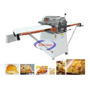 Máy cán bột 2 chiều CG-500 (NNCB-A15)là dòng máy có chức năng làm phẳng khối bột thành 1 lớp mỏng mịn trong dây chuyền làm bánh mì. Với dòng máy này, chủ các tiệm bánh sẽ giảm được nhân công trong quá trình làm bánh.