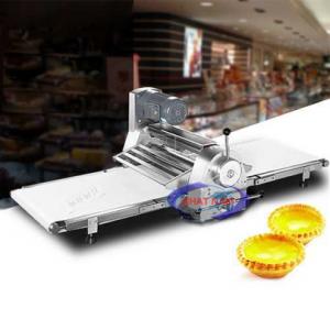 Máy cán bột để bàn (NNCB-A18)là dòng máy có chức năng làm phẳng khối bột thành 1 lớp mỏng mịn trong dây chuyền làm bánh mì. Với dòng máy này, chủ các tiệm bánh sẽ giảm được nhân công trong quá trình làm bánh.