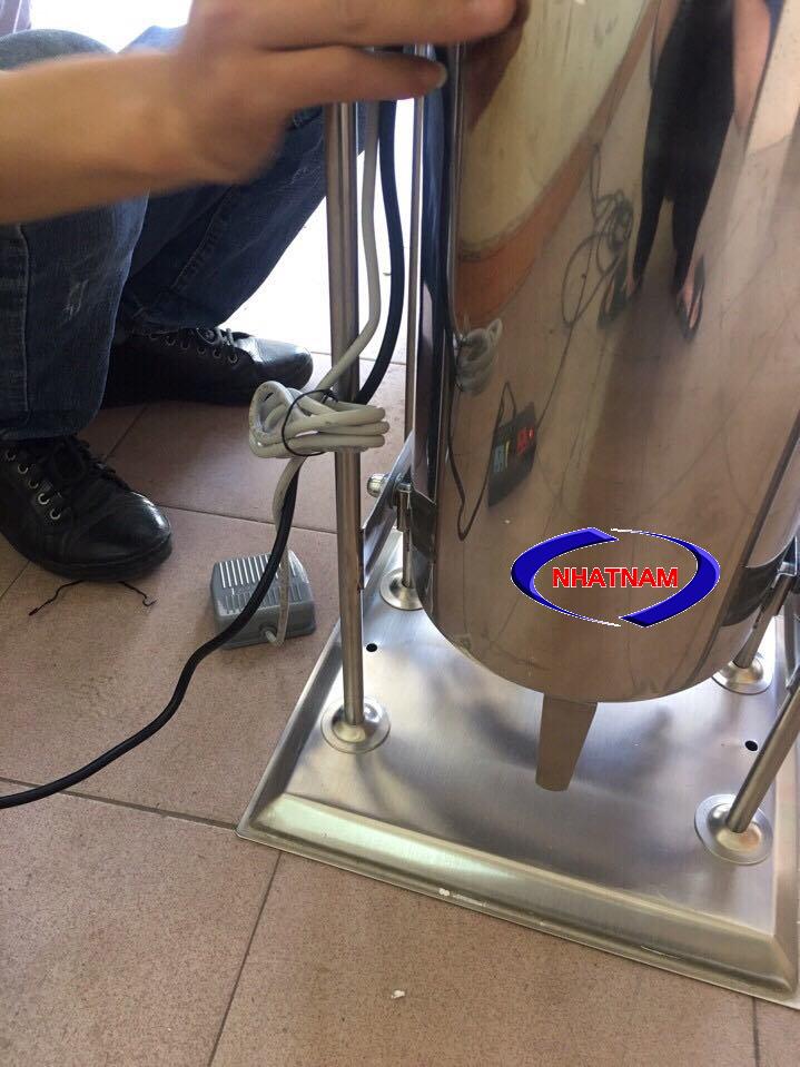 Máy đùn xúc xích dùng điện 10 lít