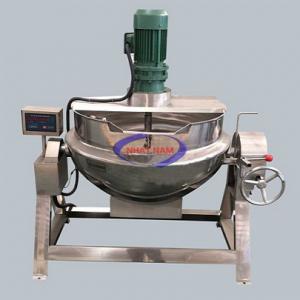 Nồi nấu kẹo 50 lít/mẻ (NNCN-E01) được thiết kế hoàn toàn bằng inox cao cấp, cơ chế hoạt động đơn giản gồm 1 motor xoay điều chỉnh tốc độ, 1 nồi chứa nguyên liệu được tích hợp thiết bị làm nóng. Nhiệm vụ chính của máy là tạo nên những hỗn hợp kẹo đặc, khuấy đều trước khi chế biến ra thành phẩm.