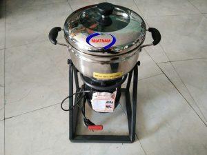 Máy xay giò, chả 1100W (NNXT-A02)có cối xay được làm hoàn toàn bằng inox chất lượng cao không gỉ, giúp sản phẩm có độ bền và an toàn trong chế biến thực phẩm hơn. Ngoài ra sau khi sử dụng máy cũng dễ dàng vệ sinh sạch sẽ và nhanh gọn.