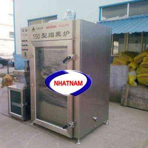 Lò xông khói 150 kg (NNLXK-05) là thiết bị cần thiết trong các cơ sở sản xuất xúc xích, thịt bò, thịt trâu hun khói..