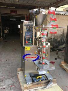 Máy đóng gói đường que tự động (NNĐG-A14)là máy đóng gói chuyên sử dụng để đóng gói các loại hạt, bột, đường hay các loại ngũ cốc, cà phê