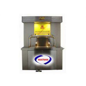 Máy chiết rót và bảo quản bia 8 bom (NNDC-D10)làtủ bảo quản biabằng phương thức làm lạnh keg bia trong nước và có bàn rót.  -Phương thức làm lạnh keg bia bằng nước, ta có thể dễ dàng điều chỉnh nhiệt độ thích hợp theo ý muốn