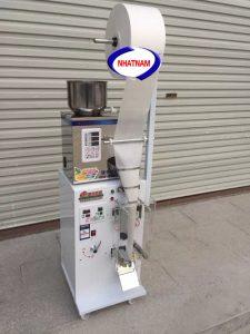 Máy đóng gói trà túi lọc 2-100 gam (NNĐG-I03)Đây là máy có công nghệ tiên tiến rất hữu ích cho các nhà sản xuất, máy có khả năng thay thế cho 1 lượng lớn nhân công làm việc thủ công.