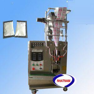 Máy đóng gói tự động 1-50 gam (NNĐG-I13)là loại máy chuyên dùng để đóng gói, bảo quản thực phẩm, chức năng chính của máy là thực hiện chủ yếu 2 chức năng: giúp cho nhà sản xuất hoàn thiện bao bì, đảm bảo được số lượng của sản phẩm, định khối lượng sản phẩm.