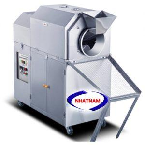 Máy rang hạt dùng điện 10-12kg/mẻ (NNRH-02)Là một trong những thiết bị quan trọng được thiết kế tối ưu về chế biến thực phẩm. Máy có thể thay thế rất nhiều lao động lành nghề làm việc cùng một thời điểm, đảm bảo vệ sinh an toàn thực phẩm khi chế biến.