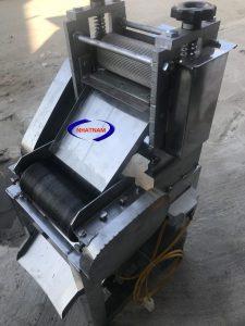 Máy lạng và thái bì (NNTT-B04) Là thiết bị không thể thiếu trong các quán cơm tấm , lò bánh mỳ , cơ sở sản xuất nem chua ,,,,