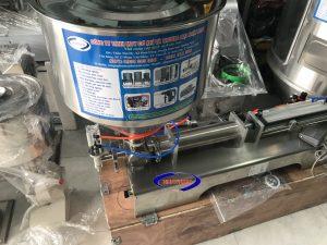 Máy chiết rót 1 vòi khí nén dạng đặc 5-100ml (NNDC-A06)là thiết bị chuyên dùng để chiết rót các loại dung dịch đặc, sệt trong ngành thực phẩm, dược phẩm, hóa chất