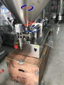 Máy chiết rót 1 vòi khí nén 100-1000ml (NNDC-D07)thường sử dụng để chiết rót các dịch dạng lỏng như: Dầu ăn và các loại dung dịch đặc, sệt khác.   Là dòng máy bán tự động, sử dụng piston khí nén định lượng. lắp đặt và sử dụng đơn giản.