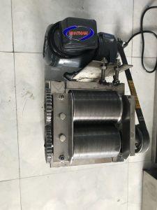 Máy thái bì heo mô tơ inox (NNTT-B06)Làthiết bị giải phóng sức người và tiết kiệm thời gian trong các làng nghề nem, nộm trên đất nước ta.