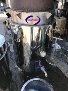 Nồi nấu rượu ruột đồng 30kg (NNCN-D04)được Công Ty Nhật Nam phân phối trên toàn quốc.  –Nấu rượu bằng các loại nồi truyền thống sẽ gặp phải các vấn đề khó khăn như: khó canh nhiệt độ phù hợp, dễ bị khê cháy, rượu không loại bỏ được các chất có hại cho sức khoẻ…