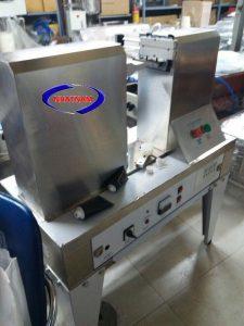 Máy hàn đáy tuýp, máy niêm phong tuýp kem (NNNP-01)là dòng máy mới được Nhật Nam cung cấp nhằm đóng nắp nhiều loại sản phẩm dạng kem, rắn, như kem đánh răng, sữa rửa mặt, mỹ phẩm…