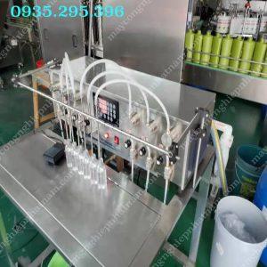 Máy chiết rót dung dịch bán tự động 10 vòi (NNDC-D19)chuyên dùng để chiết rót các loại dung dịch lỏng như rượu, chiết rót tinh dầu, dầu ăn, chiết rót hóa chất và các loại dung dịch lỏng khác.